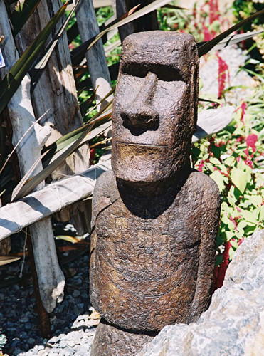 Akahanga No Hat, stained concrete Easter Island statue for outdoor garden or patio