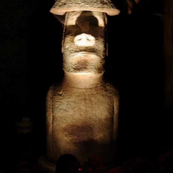 Akahanga stained concrete Easter Island statue for outdoor garden or patio