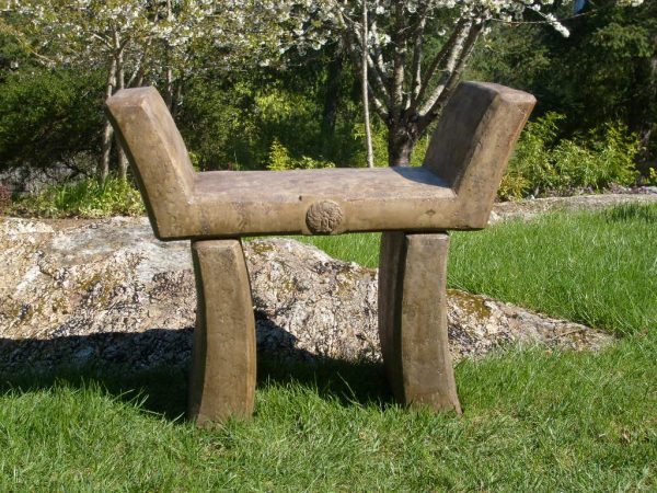 Japanese Serenity Seat Concrete furniture for outdoor garden patio