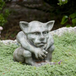 Queydo medium Gargoyle medieval concrete statue for garden