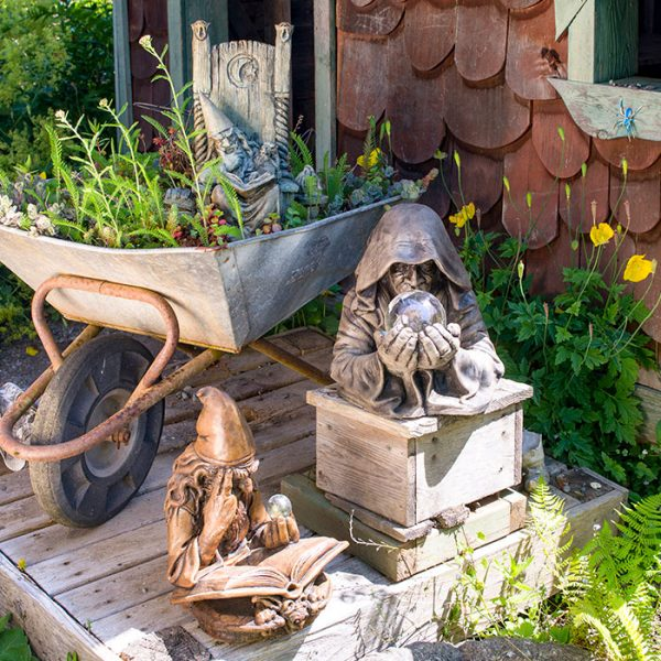 Wizard Collection lawn ornaments